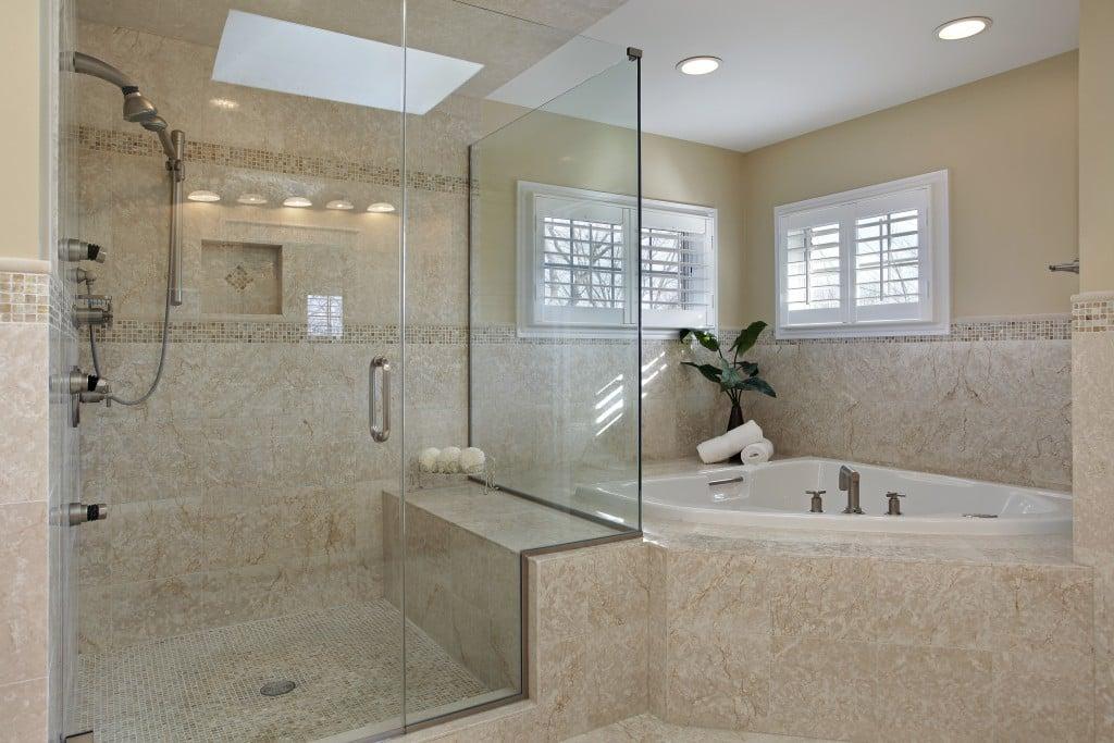 4 caracter sticas que definen la cabina de duchas para ba os modernos deco hogar - Banos con duchas fotos ...