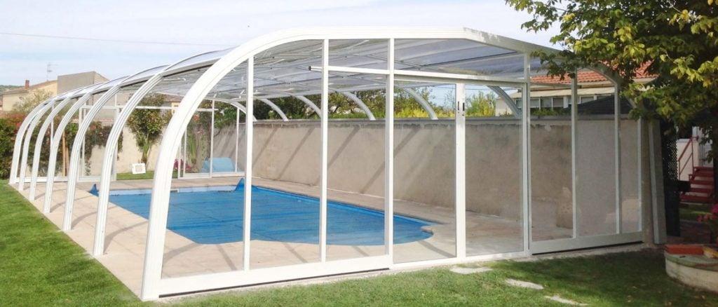 6 razones de importancia para instalar una cubierta para for Cubierta piscina bestway