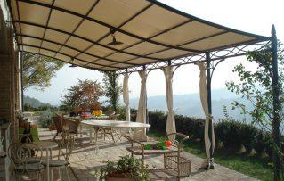 8 Tipos de Estructuras y Pérgolas para Terrazas para Sentarse al Aire Libre