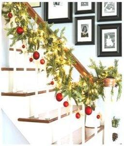 decorar escaleras en navidad